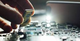 英特尔转向VMware的Pat Gelsinger以重振芯片业务